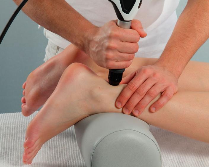 Stoßwellen-Therapie bei Schmerzen an der Achillessehne