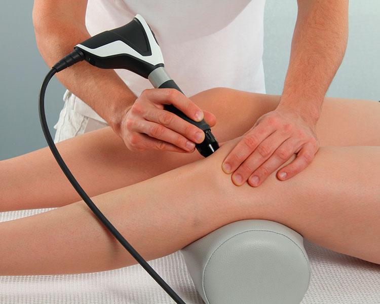 Stoßwellen-Therapie bei Knieproblemen